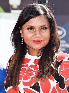 Mindy Kaling Got a Bob, and It's Perfect