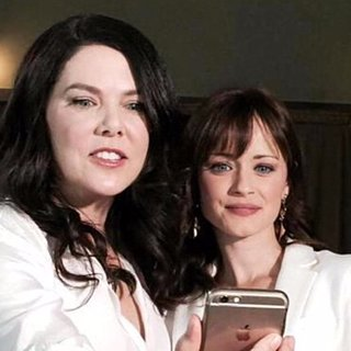 Alexis Bledel Reunites With Gilmore Girls Cast