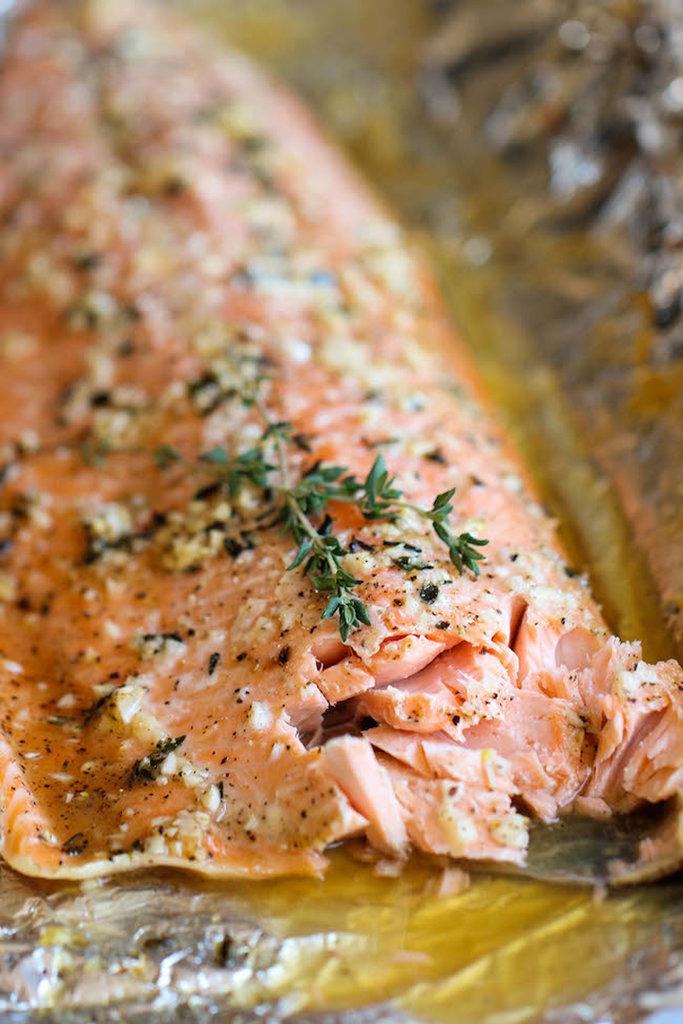 Honey-Garlic-Thyme Salmon Baked in Foil
