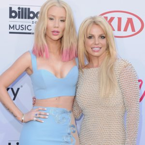 Britney Spears Iggy Azalea Tweets About Pretty Girls
