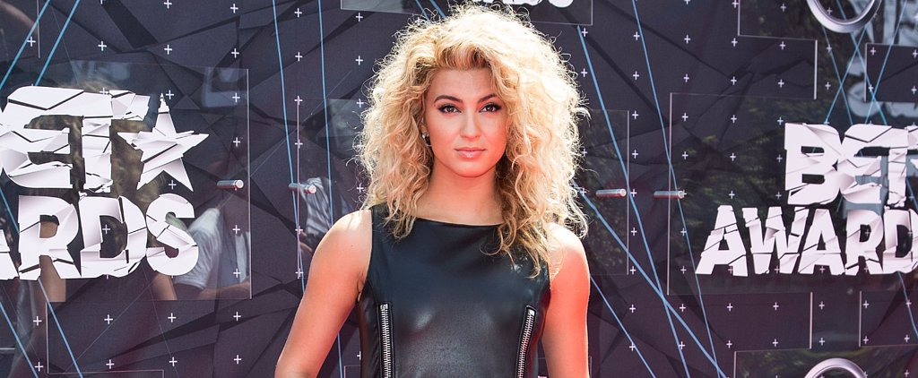 Tori Kelly and Her Curly Hair Are Seriously Killing It