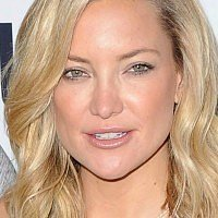 Oliver and Kate Hudson publicly disowned by their father