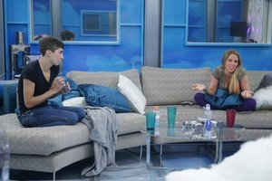 'Big Brother 17' Recap: 2 Female HoHs and 2 Female Targets