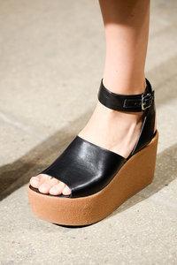 Tuesday Shoesday: Flatform Edition