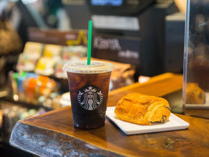 Starbucks is Changing the Way We Drink Iced Coffee