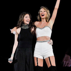 Video and Pictures of Lorde Singing at Taylor Swift Concert