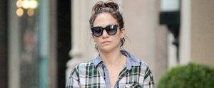 Jennifer Lopez Shows Off Her Gorgeous Makeup-Free Skin