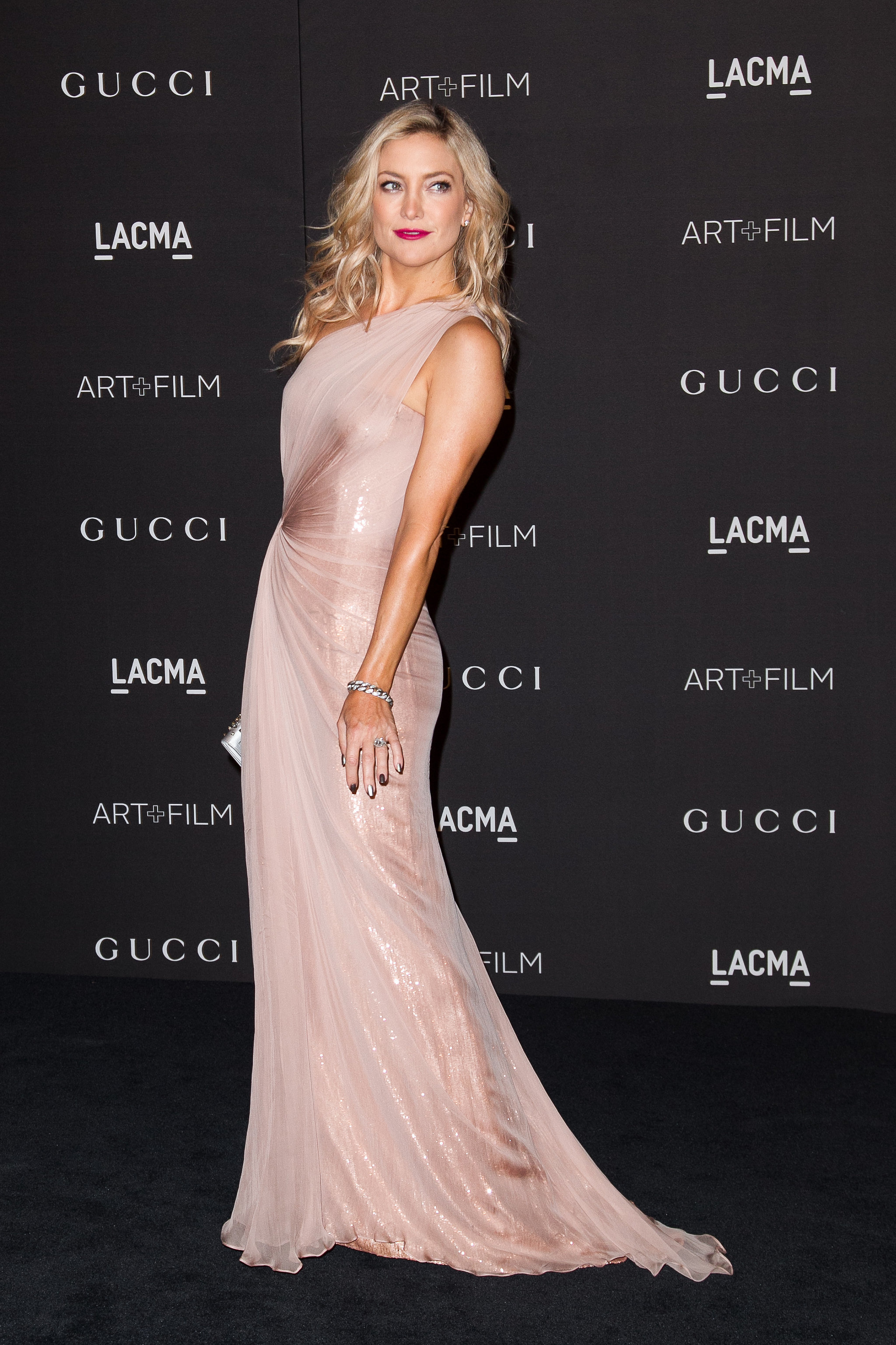 Kate Shimmered in This One-Shoulder Gucci Design