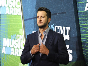 Luke Bryan Says Confederate Flag Has Become A 'Symbol Of Racism'
