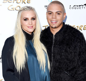 Ashlee Simpson Gives Birth, Welcomes Baby Girl With Evan Ross