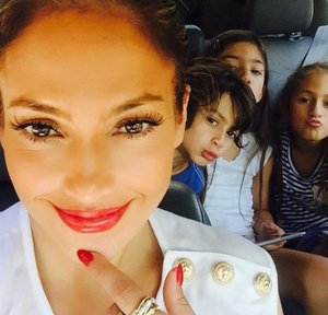 Jennifer Lopez's Twins Pucker Up