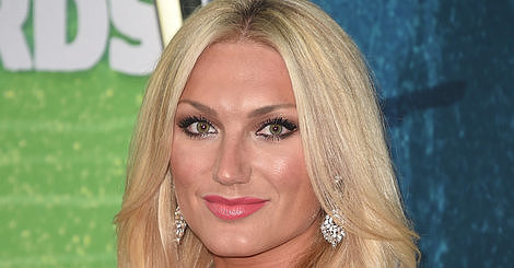 Brooke Hogan Defends Father Hulk Hogan's Racist Comments