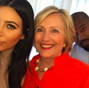 Kim Kardashian Selfie With Hillary Clinton