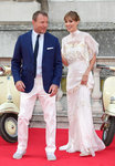 'Guy Ritchie' from the web at 'http://media4.popsugar-assets.com/files/2015/08/08/771/n/1922398/28f35a0d116e8c41_GettyImages-483360946_master6pvqTQ.150square/i/Guy-Ritchie-Jacqui-Ainsley-Red-Carpet-Pictures.jpg'