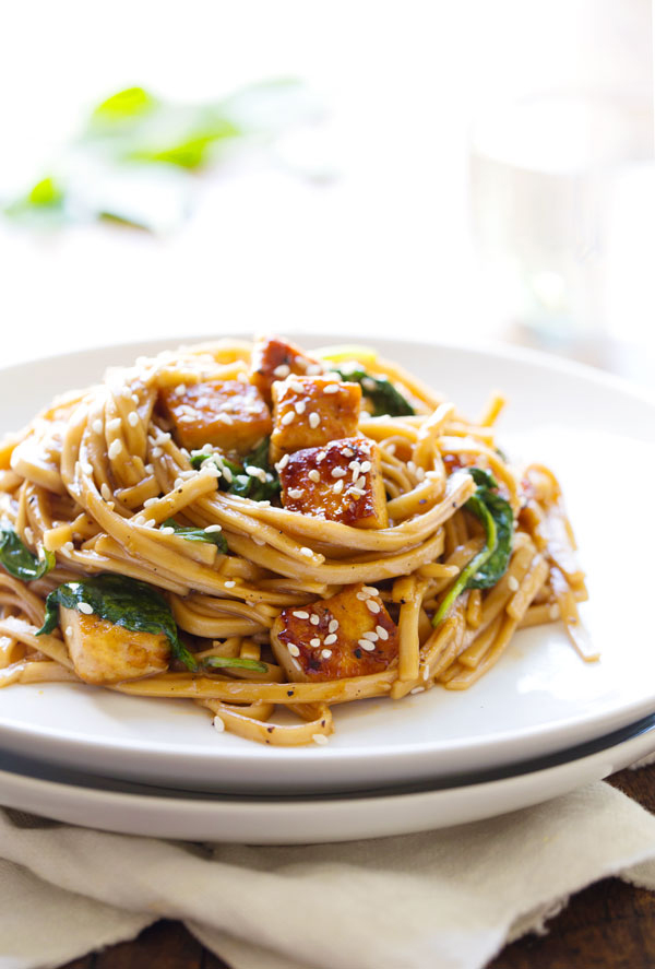 Black Pepper Stir-Fried Noodles With Spinach and Tofu | 19 Stir-Fry ...