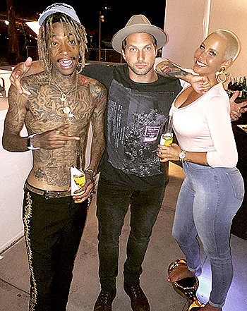 "Wiz Khalifa, Amber Rose Look Amicable in Photo With ""Divorce Counselor"" Pal"