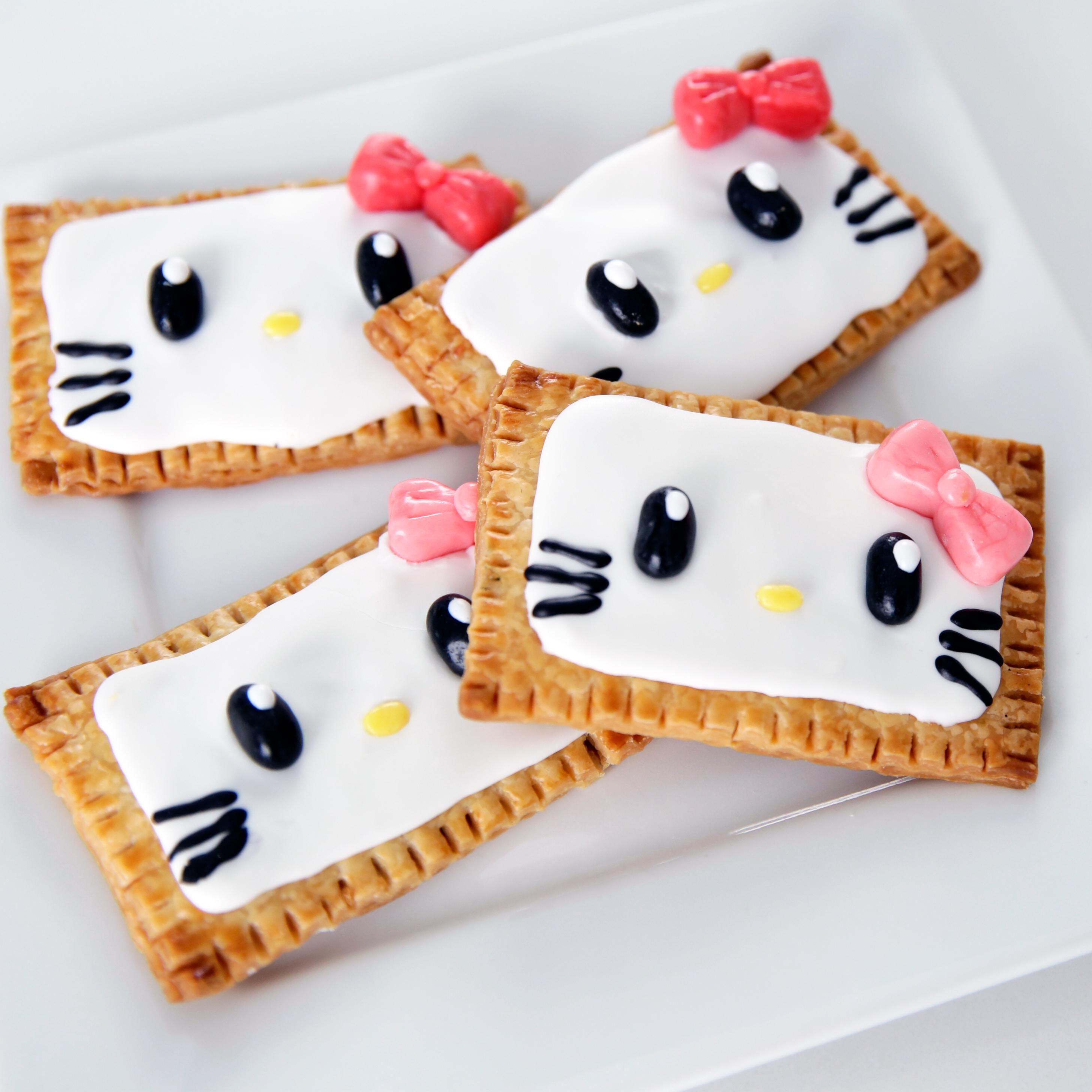 Hello kitty pop tarts popsugar food for Cuisine hello kitty