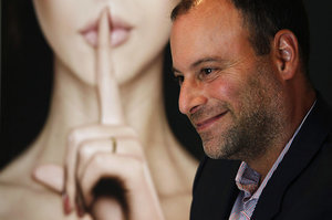 Ashley Madison CEO Resigns
