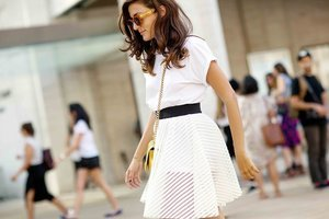 3 Totally Non-Boring Ways to Wear a White T-Shirt