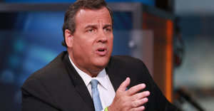 Chris Christie Wants To Track Immigrants Like FedEx Packages