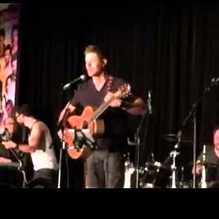 "Jensen Ackles Sings ""Simple Man"" at VanCon 2015 Video"