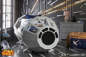 "What Kind Of Asshole Gets This $4000 ""Star Wars"" Bed For Their Kid?"