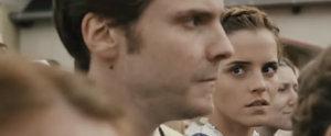 Emma Watson und Daniel Brühl machen sich ganz gut als Paar vor der Kamera