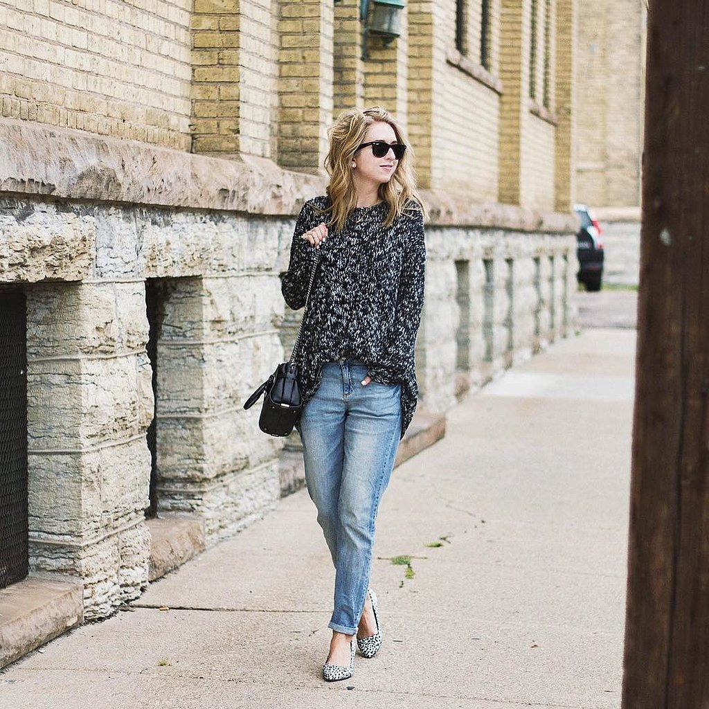 Team boyfriend jeans and menswear-inspired shoes for a casual day at the office. The relaxed fit of a boyfriend jean is ideal for informal days but it looks best when balanced out by a structured.