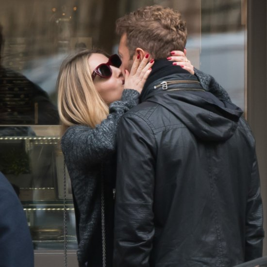 Chris Martin and Annabelle Wallis Kissing Pictures
