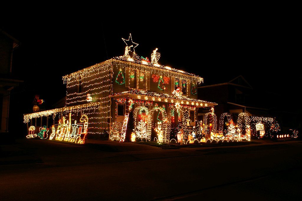 The most decorated christmas homes in america popsugar home for Christmas home decorations uk