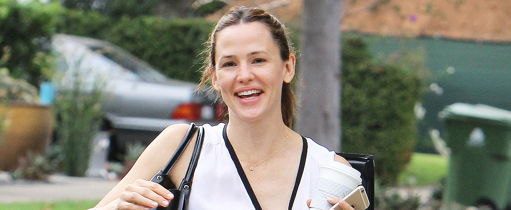 Jennifer Garner and Ben Affleck Give Each Other a Hand at the Grocery Store