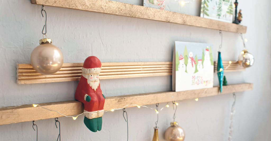 No Room For a Holiday Tree? DIY This Instead