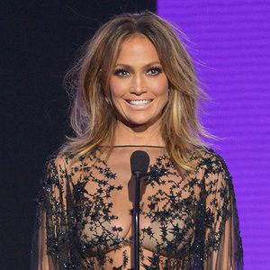 Jennifer Lopez's AMAs Hair and Makeup   2015