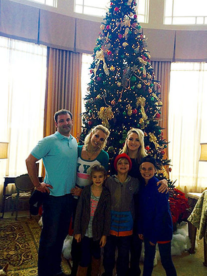 It's a Spears Family Reunion! Britney Spends Thanksgiving with Siblings Jamie Lynn and Bryan and Their Children