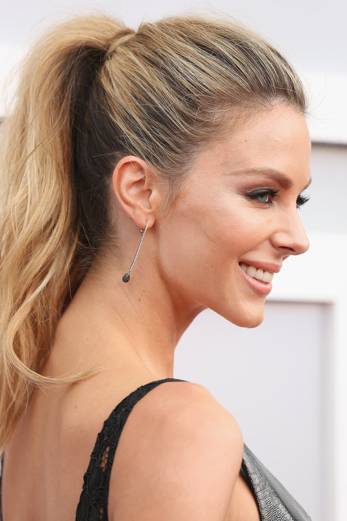 A sleek, high ponytail put Jen at the top of the best beauty lists for the 2015 ASTRA Awards.