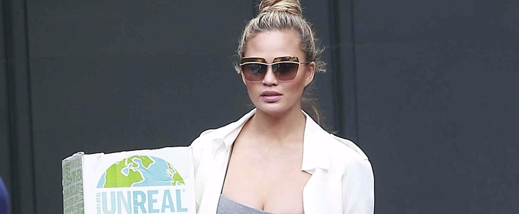 We Have 1 Word For Chrissy Teigen's Moving Day Maternity Look: Unreal
