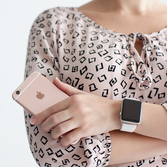 Why Does the Fashion World Hate Wearable Gadgets?