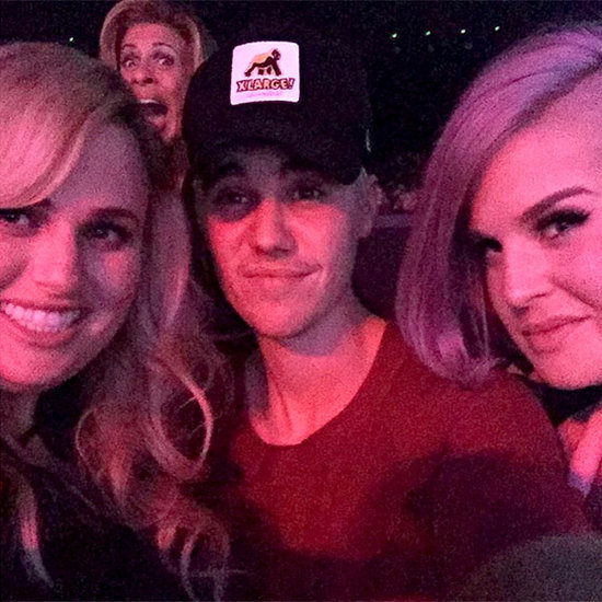 Rebel Wilson & Kelly Osbourne Hilariously Negotiate a Date with Justin Bieber at Jennifer Lopez Concert: See Their Flirty Notes!