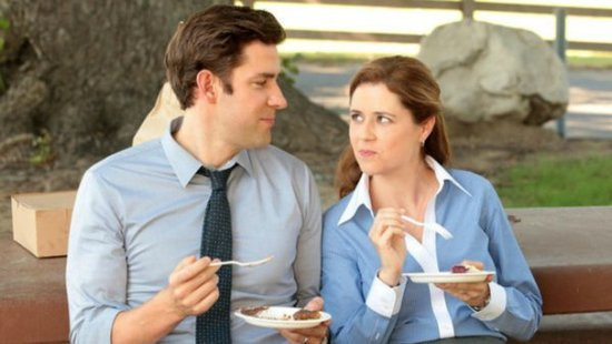 "WATCH: Jenna Fischer Said She And John Krasinski Were ""Genuinely In Love"" On 'The Office'"