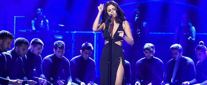 Selena Gomez Amps Up the Sexy Even More For Her Stripped-Down SNL Performances