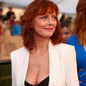 Susan Sarandon Showing Her Bra at SAG Awards 2016
