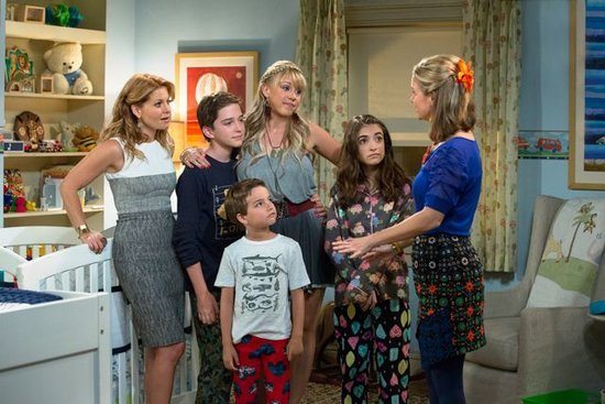 The First 'Fuller House' Trailer is Here & We Feel Ridiculously Nostalgic