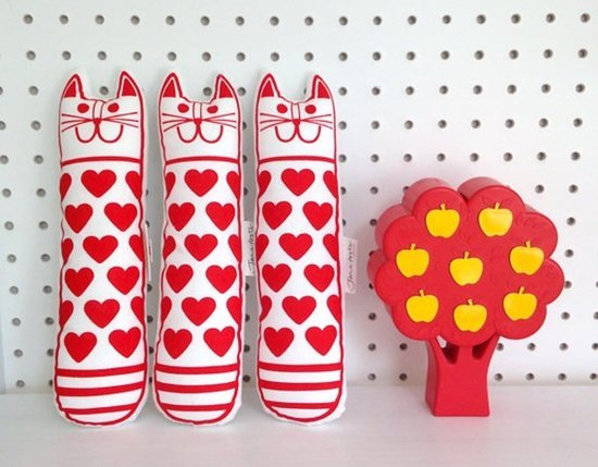 10 Stylish Valentine's Day Finds for Cats and Their People
