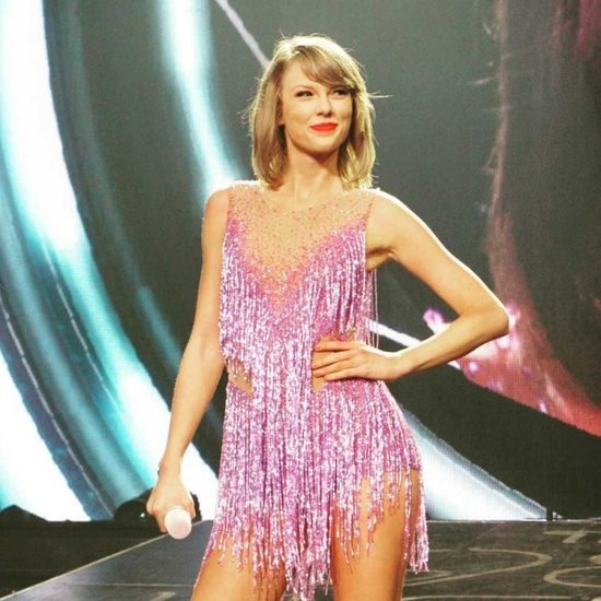 Taylor Swift Will Open The 2016 Grammy Awards