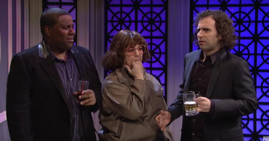 Melissa McCarthy Is A Terrible Pick-Up Artist In 'Saturday Night Live' Sketch