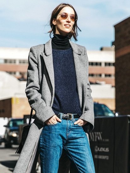 A Model-Off-Duty Way To Wear Cropped Denim For Winter
