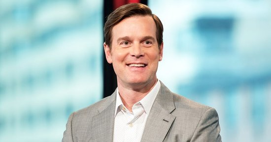 Peter Krause Still Keeps in Touch With His 'Parenthood' Costars (And Not Just Girlfriend Lauren Graham!)