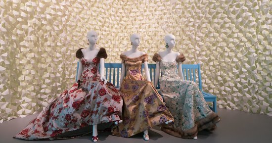 The Lavish Legacy Of Oscar De La Renta Lives On