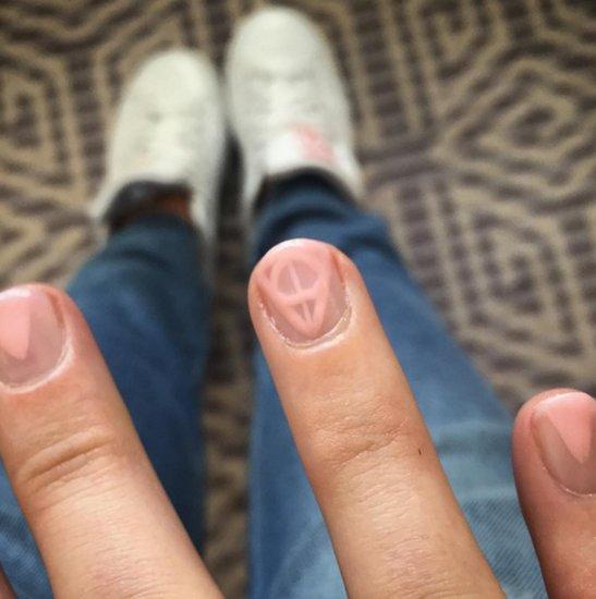Blake Lively Harry Potter Nail Art