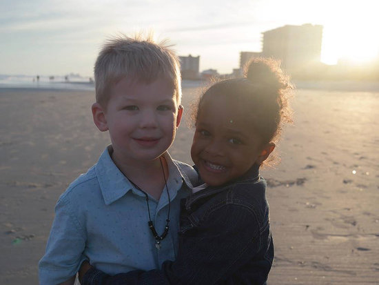 Mom Shares Sweet Story of Daughter Meeting Little Boy on a Beach: 'The World Would Be a Better Place If We Acted Like These Two